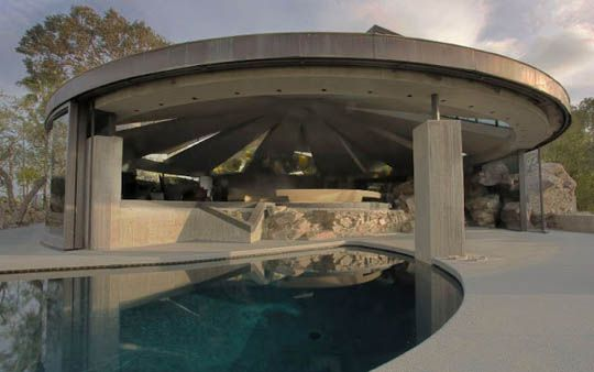 the s-pool: Architects John, John Lautner, James Bond, Interiors Design, Fashion Blog, Palms Spring, Home Architecture, Elrod Houses, Houses Design