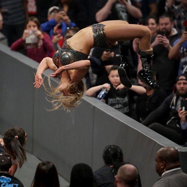 Charlotte - WWE - Charlotte Flair moonsalt
