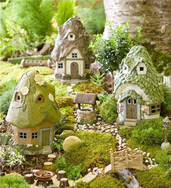 Main image for Miniature Fairy Garden Round Solar Fairy House