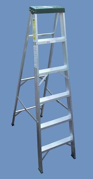 Escalera Tijera Aluminio 6 escalones Altura 1.80 mts http://villa-luro.clasiar.com/escalera-tijera-aluminio-6-escalones-altura-180-mts-id-220586