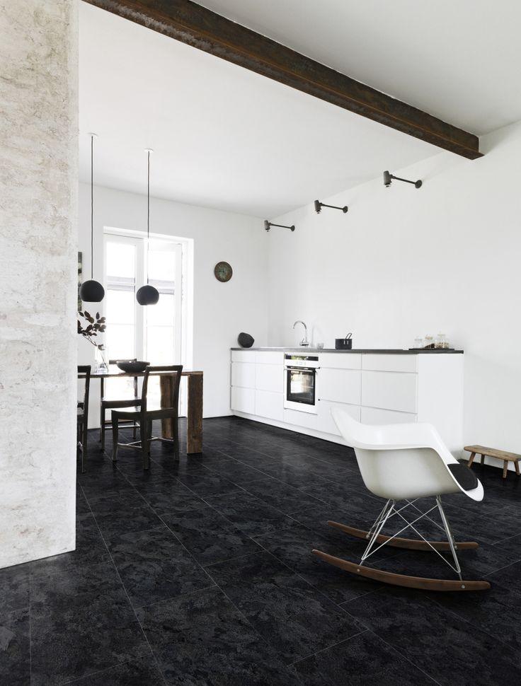 Pvc vloer tegels donker grijs zwart geschikt voor alle ruimten zoals de badkamer woonkamer - Kantoor interieur decoratie ...