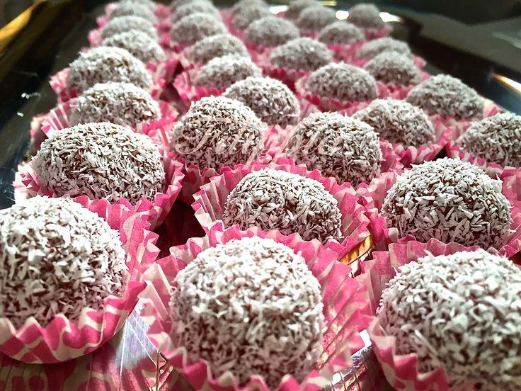 Τρουφάκια Red Velvet Cake