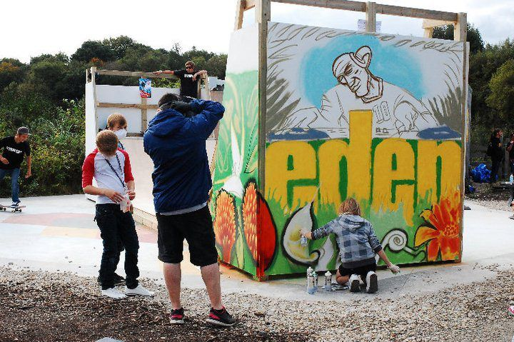 Graffiti workshop with a group of kids at #Eden Project
