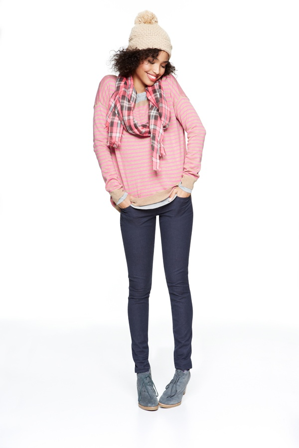 this cute Bella sweater will definitely suits with my blue skinny jeans <3 #GapLove