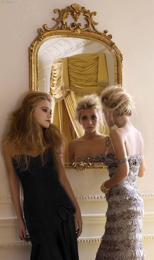 Beautiful gold mirror and even more beautiful styling.  Mary-Kate and Ashley