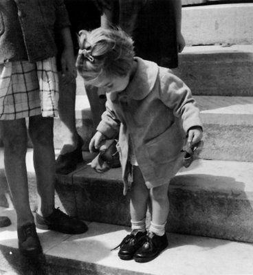 New Shoes, Voula Papaioannou (1898-1990) - Βούλα Παπαϊωάννου