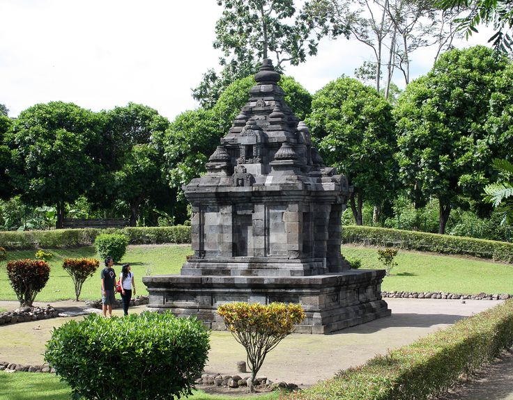 Gebang temple is an 8th century Hindu temple, from Medang Mataram kingdom period. The temple is located at the outskirt of Yogya city, near the northeastern ringroad. Gebang village, Wedomartani, Ngemplak, Sleman, Yogyakarta, Indonesia.