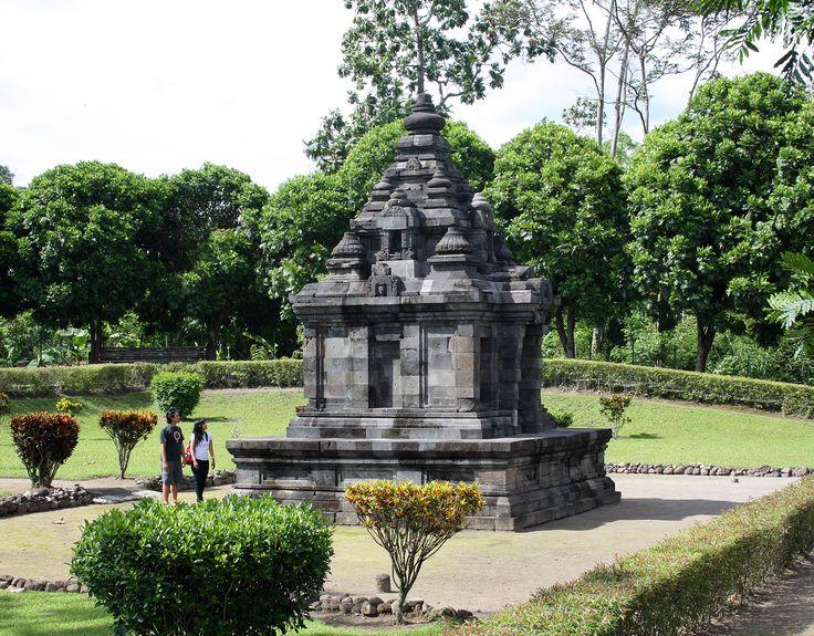 Gebang temple is an 8th century Hindu temple, from Medang Mataram kingdom period. The temple is located at the outskirt of Yogya city, near the northeastern ringroad. Gebang village, Wedomartani, Ngemplak, Sleman, Yogyakarta, Indonesia.