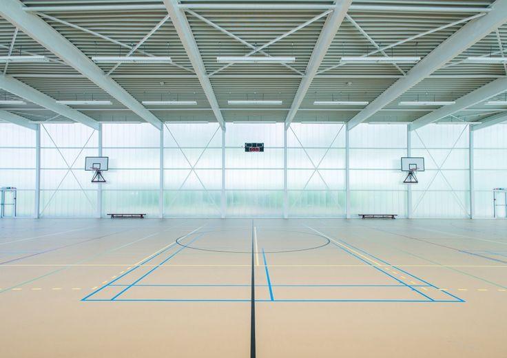 Neighbourhood Sports Centre Kiel  / UR architects