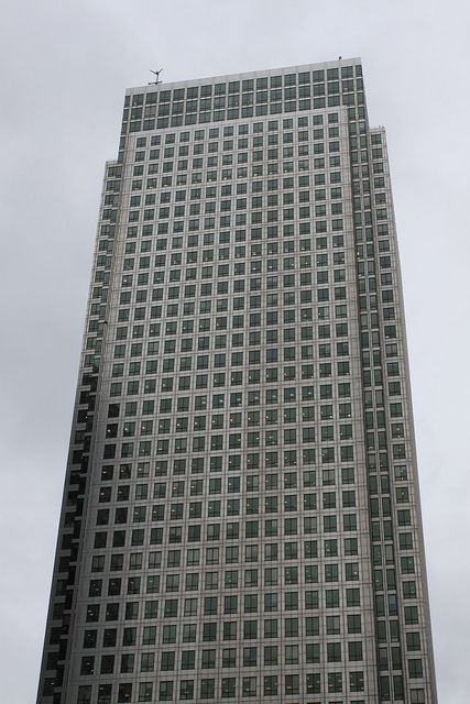 One Canada Square (AKA Canada Tower & Canary Wharf Tower), Canary Wharf, Isle of Dogs, London. Architect: Cesar Pelli.