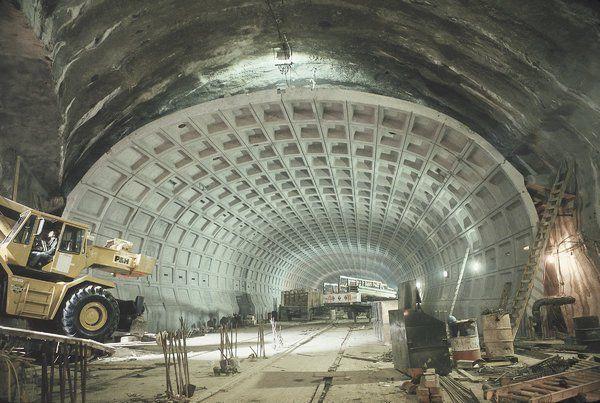 Washington Metro, 40 and Creaking, Stares at a Midlife Crisis - NYTimes.com
