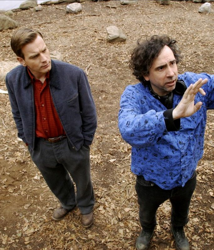 Ewan McGregor and director Tim Burton on the set of Big Fish (2003)