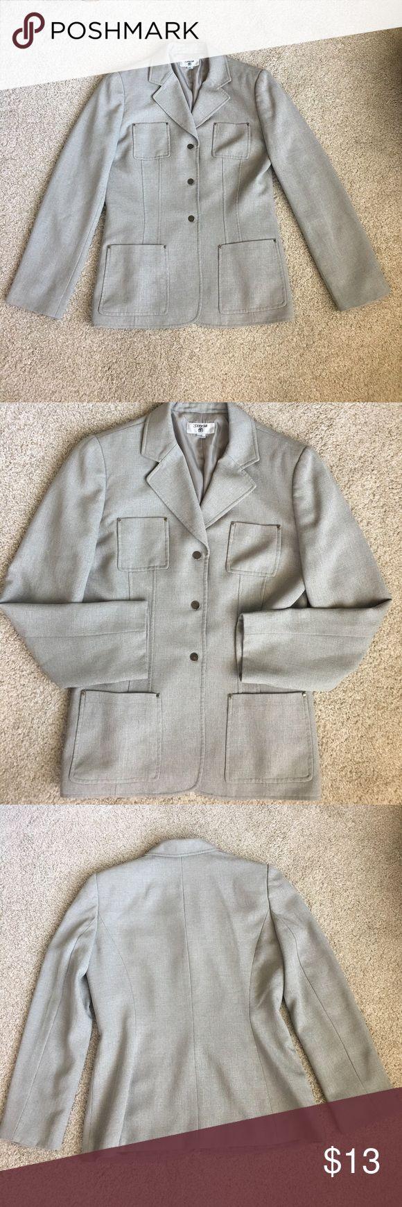 Stresa Olive green Blazer Cute olive green multi pocket studded  Blazer. 💯 polyester. Fully lined. Size 10 women's Stresa Jackets & Coats Blazers