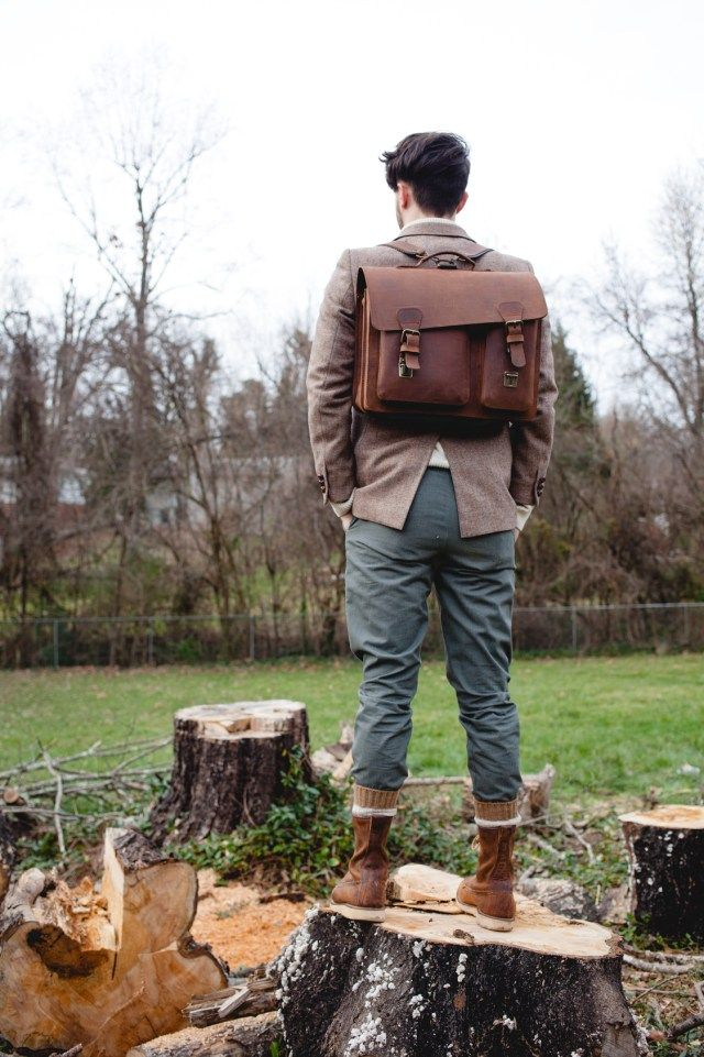 Country chic style for men featuring a brown leather satchel briefcase from Ruitertassen.