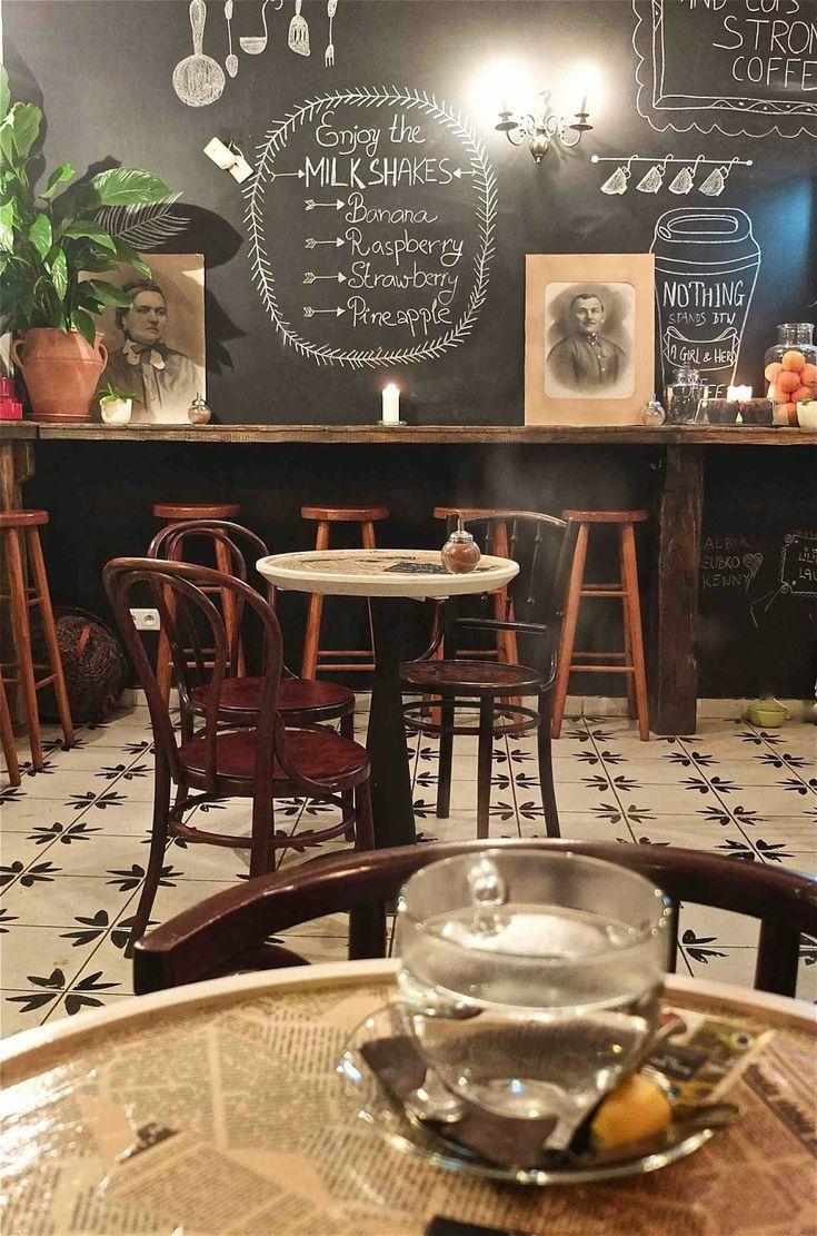 Slavia vintage : le blog des univers vintage Découvrez Le Bar Kava de Bratislava sur Slavia Diary