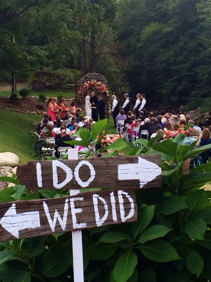 Cute wedding idea from Grandfather Vineyard and Winery in ...