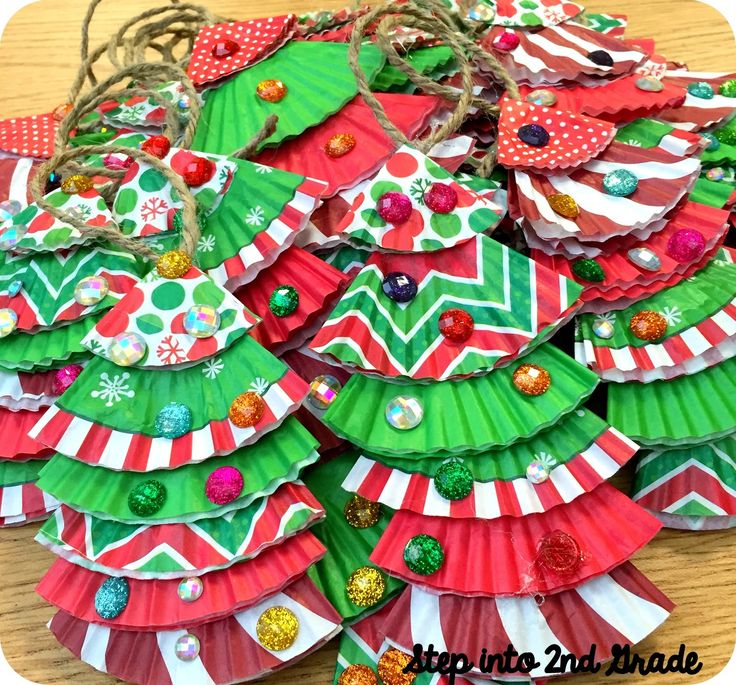 Step into 2nd Grade with Mrs. Lemons: A Whole Lotta Christmas! This would be such a cute little Christmas craft for My Firsties!