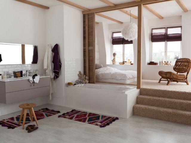 Chambre parentale qui fait rêver, baignoire astucieuse :)