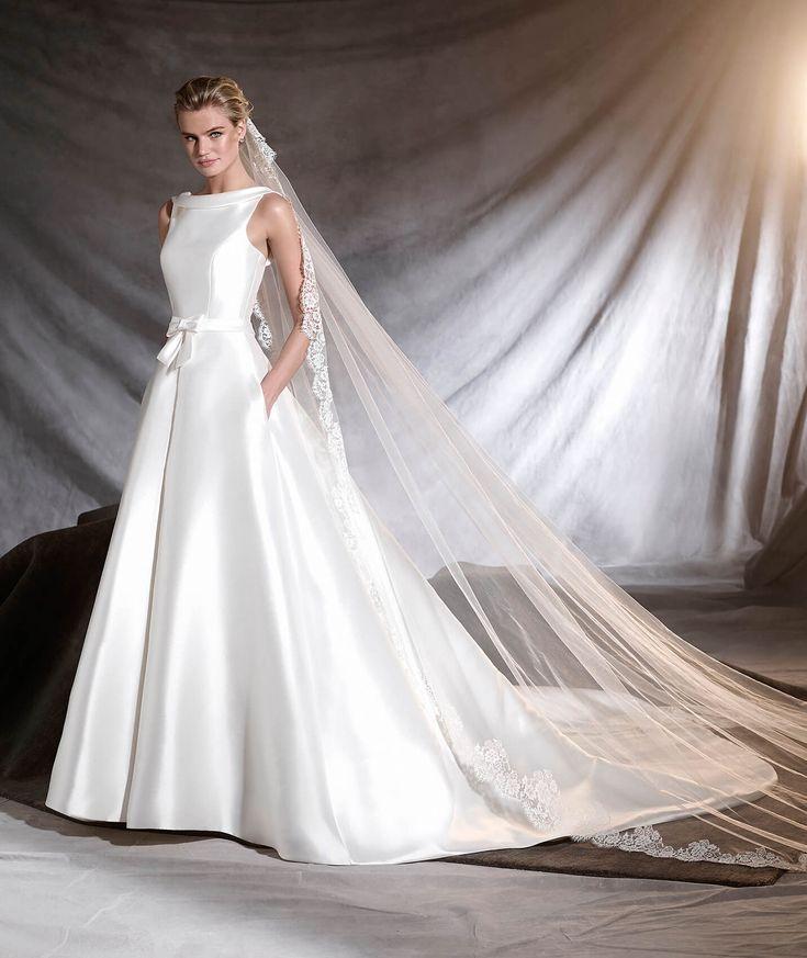 PRONOVIAS 2017 / OTILIA  - Mikado and lace wedding dress with bateau neckline.