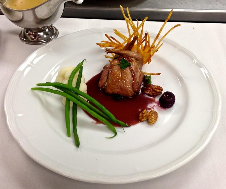 Caille en nids de pomme de terre aux cerises comida for Academy de cuisine