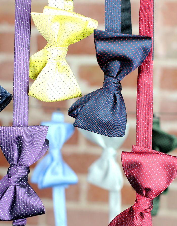 Auf Krawatte-hemd.de findet Ihr eine große Auswahl gemusterter und einfarbiger Fliegen zum fairen Preis!