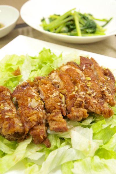 中華料理】「簡単☆油淋鶏」&小松菜のにんにく塩炒め&わかめと胡瓜の ...