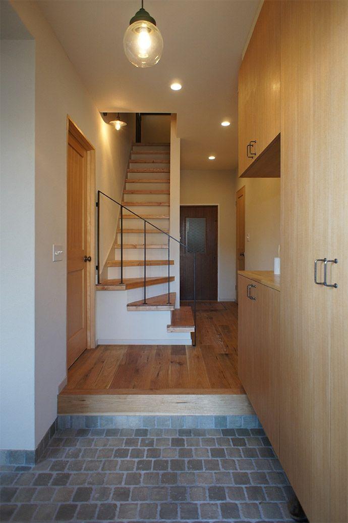 土間・玄関1(家族が見渡せる広いLDK を! – ROPA -)- 玄関事例|SUVACO(スバコ)