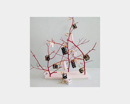 The Tiny Tree Calendar | 33 Clever And Adorable DIY Advent Calendars