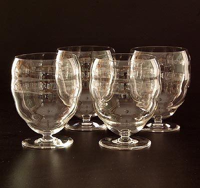 Clear glass beakers 4x of the service H design K.P.C.de Bazel 1918 executed by Glasfabriek Leerdam / the Netherlands