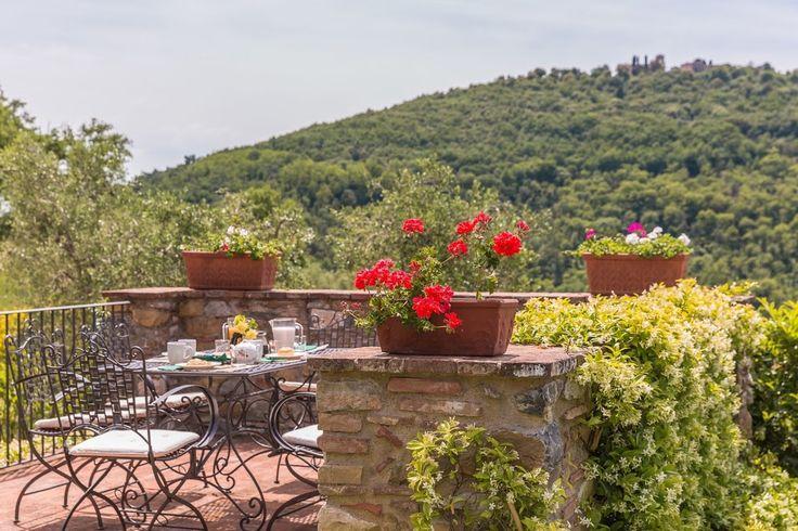Villa Ann, sleeps 10 guests in Monsummano Terme in Monsummano Terme, Tuscany, Italy.