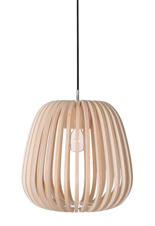 Suspension M10 en lames de Bambou chez Ay illuminate en collaboration avec le designer / photographe Mark Eden Schooley.