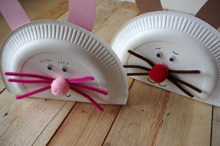 Tento Velikonoční nápad je velmi jednoduchý, děti ho zvládnou sami. Budete potřebovat jen papírové talíře, barevné papíry a bambule. Obličej jsme namalovali černýmfixem.\n - Tento Velikonoční nápad je velmi jednoduchý, děti ho zvládnou sami. Budete potřebovat jen papírové talíře, barevné papíry a bambule. Obličej jsme namalovali černýmfixem.\n ( DIY, Hobby, Crafts, Homemade, Handmade, Creative, Ideas)