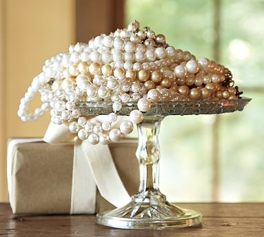 So pretty...Ideas, Style, Guest Bedrooms, Pretty Pearls, Girly Stuff, Cake Stands, Beautiful Pearls, Pottery Barns, Cake Plates