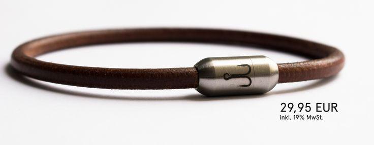 Edelstahl & Rindsleder. Ohne Kompromisse, im maritimen Look. Farbe braun. #Armband #bracelet #bracelets #accessoires