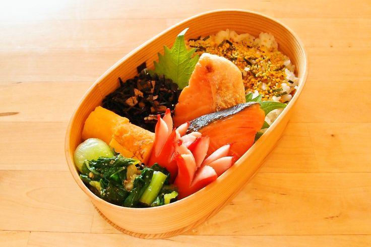 ・焼き鮭 ・チンゲン菜の生姜おひたし ・ウィンナー ・卵焼き ・ヒジキの煮物