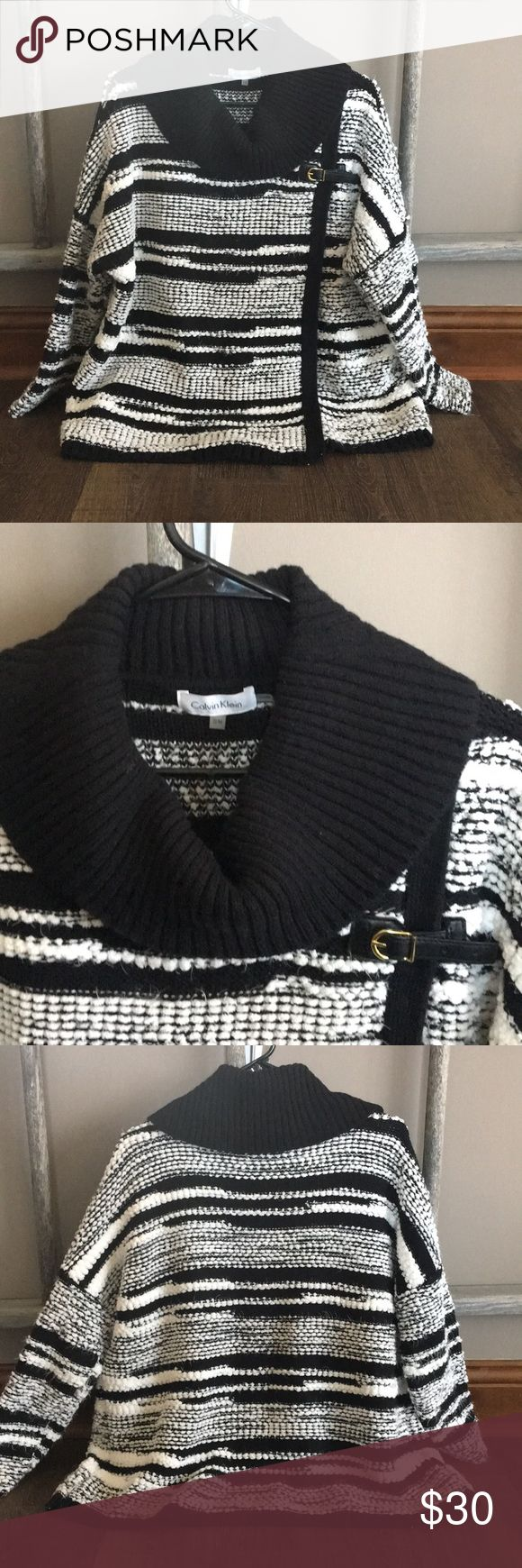 Calvin Klein Sweater Top Small Medium Black White Oversized Chunky Knit Comfy Cozy Sweater. Worn Once Calvin Klein Sweaters Shrugs & Ponchos