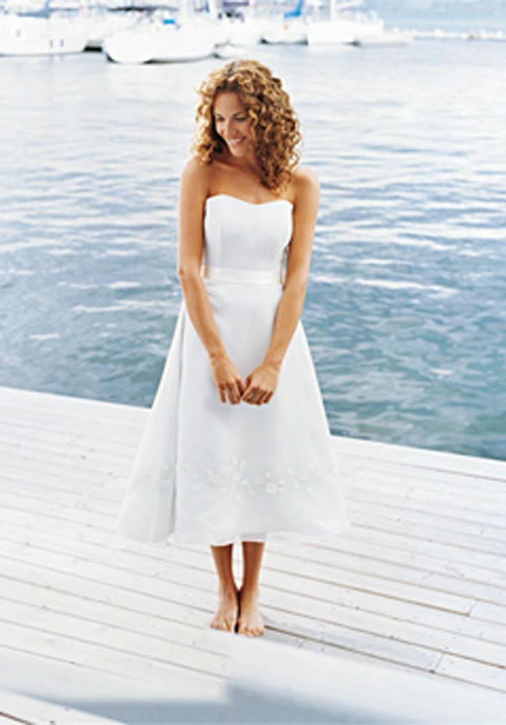 The 25 best beach wedding dresses casual ideas on for Hawaiian wedding dresses informal