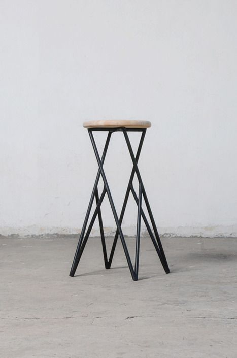 Amazing Linon Is A Minimalist Design Created By Chile Based Designer Alberto  Vitello. Linon Chair Is A Simple Design Made Of Wood And Metal Bars. Photo
