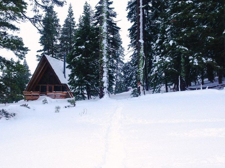 Best 25 tahoe cabins ideas on pinterest cabins in lake for Lake tahoe winter cabin