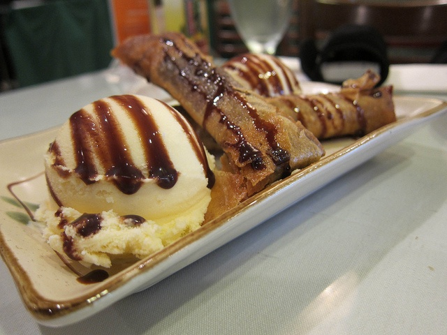 Pleasure Palate | #LA2BAY: Patio Filipino And Tastebuds | Dessert + Ice  Cream Turon