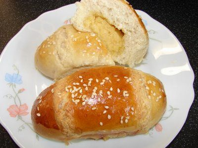 Sunflower Food Galore: Cocktail buns 雞尾包 -- with recipe.  My kids' favorite Chinese pastry.