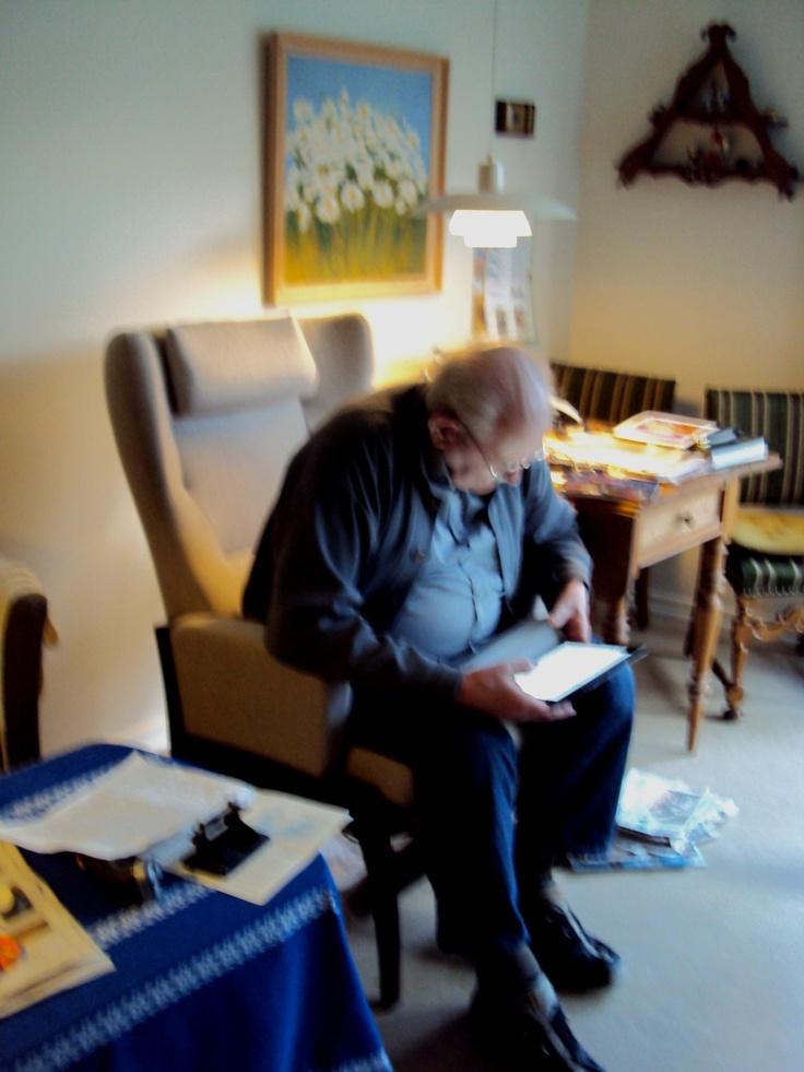92 år den 8. Marts 2013 - og far har stadig den gamle købmandsgård til salg.