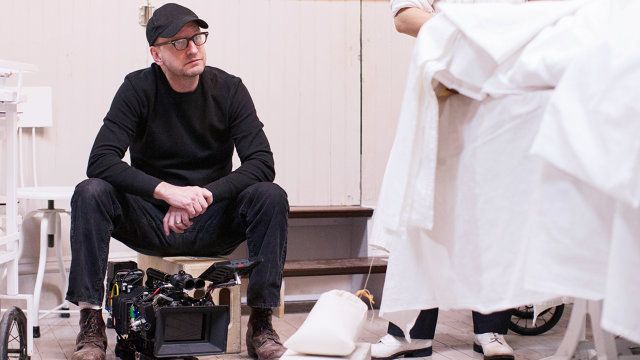 """Bloody Hell: Steven Soderbergh Dissects His Modern, 1900s Medical Drama, """"The Knick"""" 
