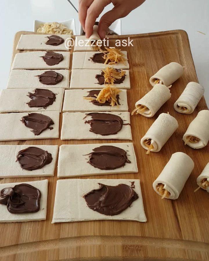 Hazırlaması 5 dakika çıtır çıtır bir tarifim var😍 En pratik kurabiye tarifide diyebiliriz..Çikolata ve elmanın uyumu bir harika..Üzerine…