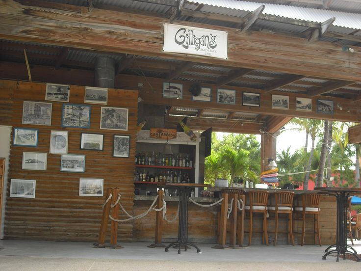 Gilligan's Bar at the Radisson Aruba. Beachside and a lot of fun