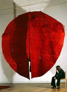 'Abakan Red' (1969) by Polish sculptor Magdalena Abakanowicz (b.1930). Sisal & mixed media, 157.5 x 157.5 x 137.75 in. via Pokate