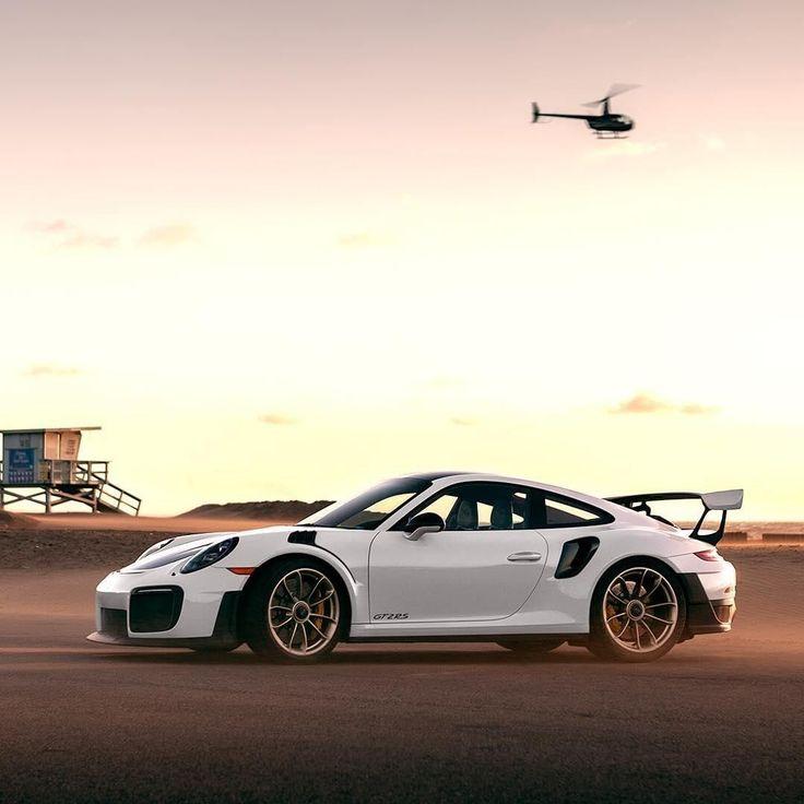 """Porsche auf Instagram: """"One of the fastest early birds around. #Porsche #Porsche911 #GT2RS #PorscheMoment #Timeles"""
