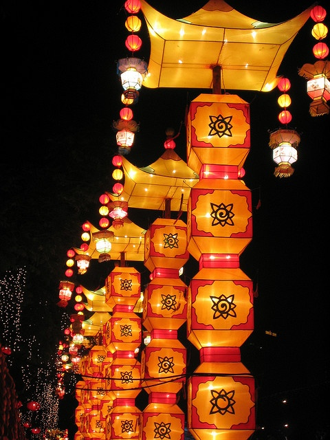 Places to go 3. Singapore. Visit the recreated china town, what it was like in ancient Singapore