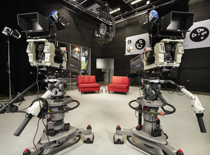 Lights, camera, interaction: Welcome to LA, home of the open-door mini studio - CNET -- how can this concept be scaled down to the library to serve patrons?