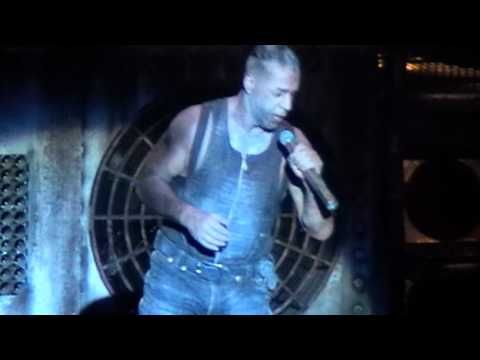 Rammstein - Sehnsucht - 10/18/1998 - UNO Lakefront Arena (Official) - YouTube